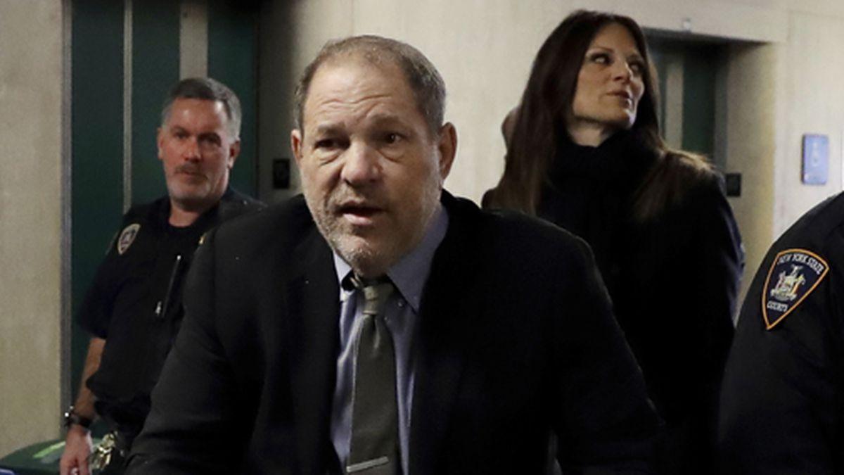 Harvey Weinstein arrives at court in his rape trial, in New York, Friday, Feb. 7, 2020. (AP Photo/Richard Drew)